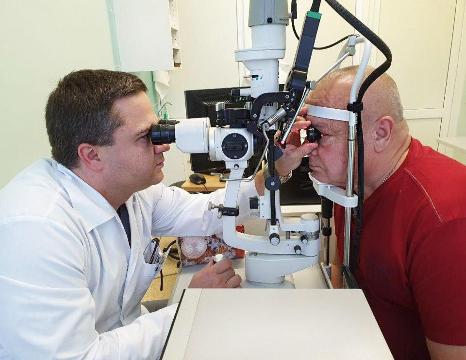 Кому нужна лазерная коагуляция сетчатки глаза?